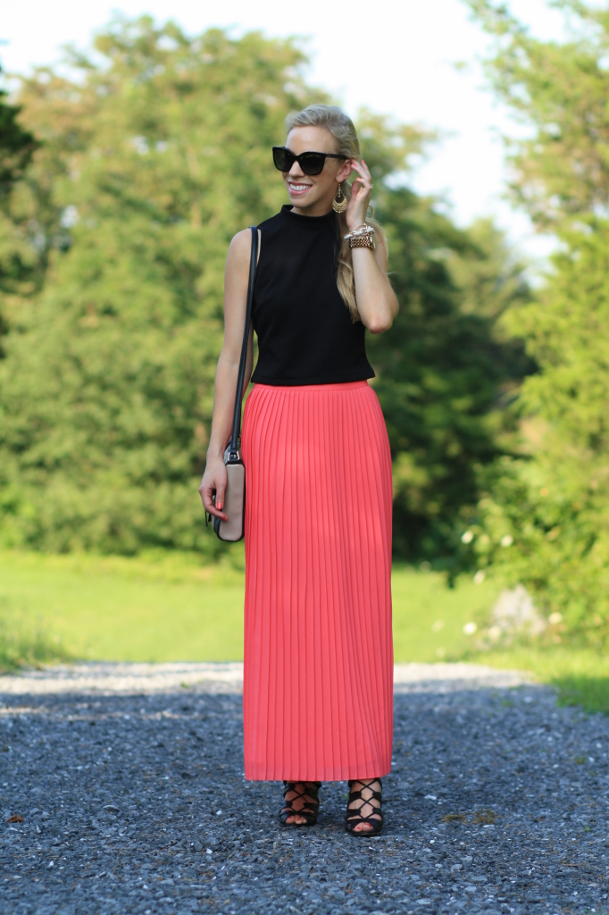 Cropped Contrast Sleeveless Crop Top Pleated Midi