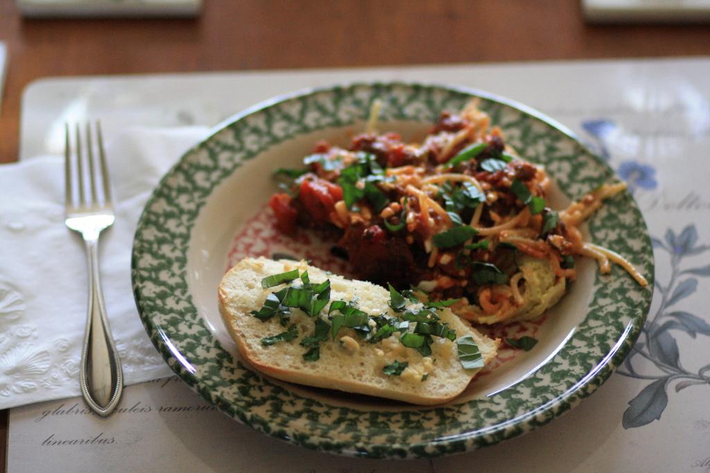 homemade garlic bread, basil, parsley, spaghetti pie recipe, garlic ...