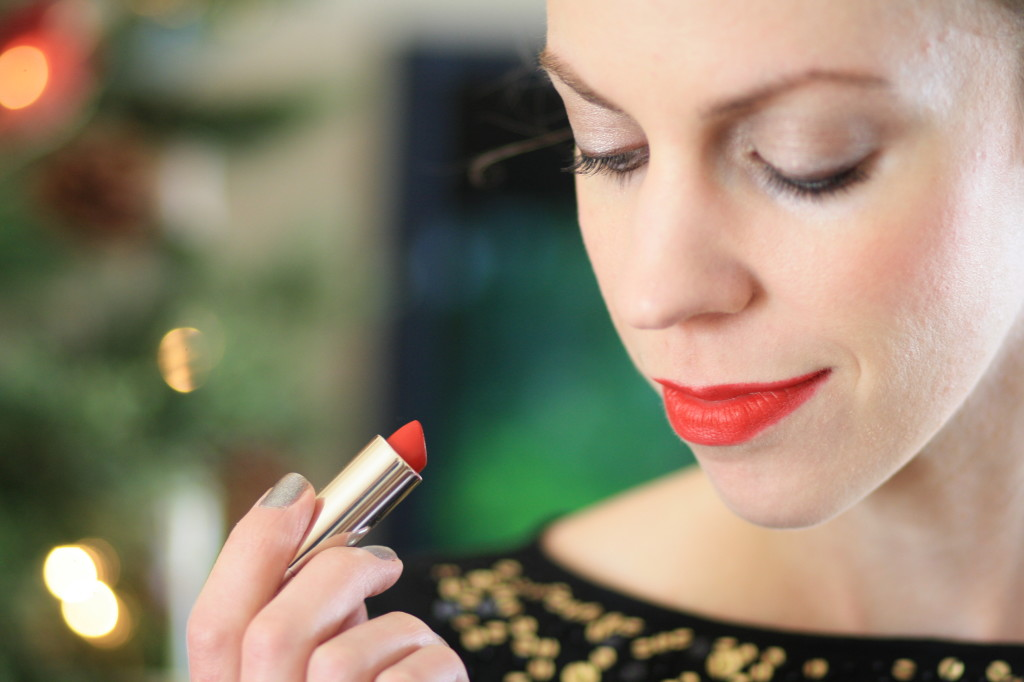 QVC Bare Minerals holiday 2014 collection makeup review, Clinique soft matte crimson red lipstick, bright red lipcolor, holiday makeup, holiday beauty tips