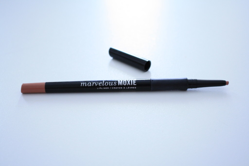 Bare Minerals Marvelous Moxie lipliner in 'Liberated', nude lipliner, universal lipliner color