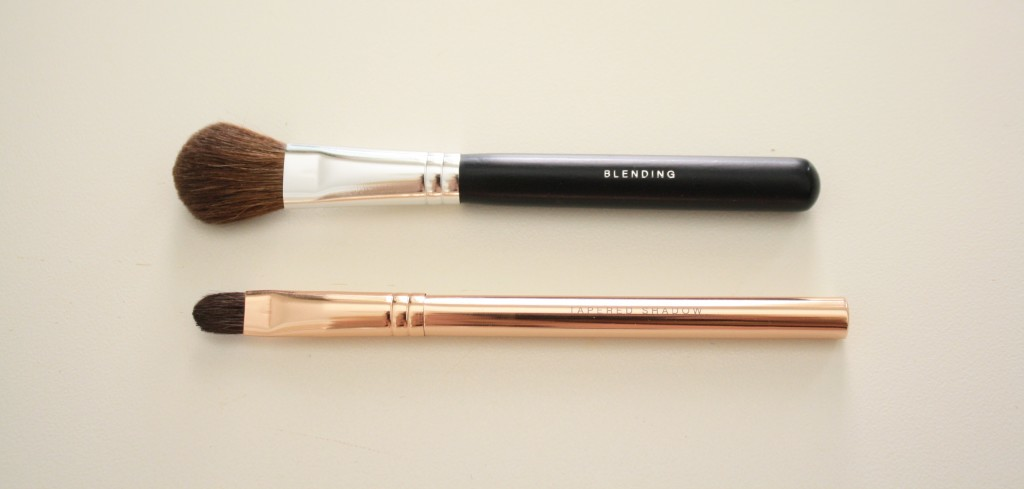 Bare Minerals eyeshadow blending brush, tapered eyeshadow brush, how to apply bare minerals eyeshadow