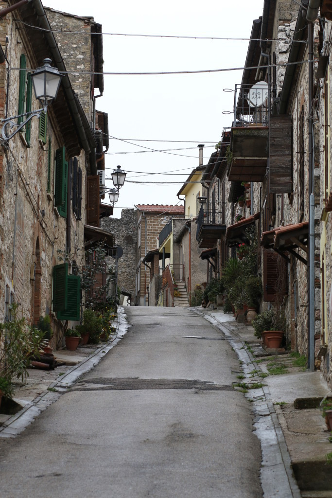 streets in Umbria Italy, small Italian countryside town