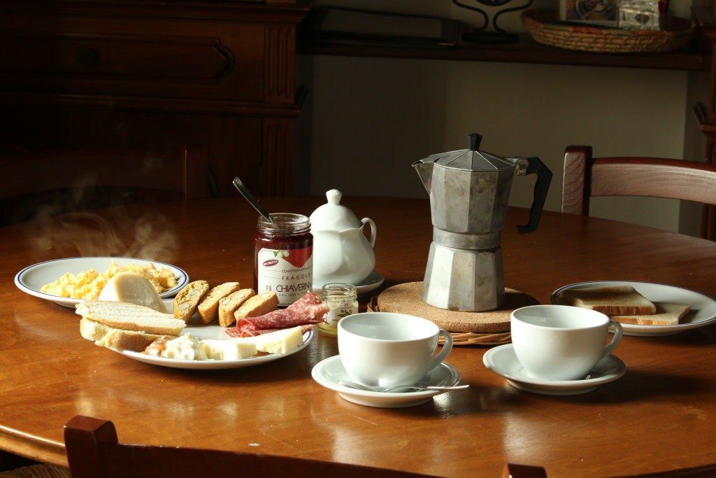 traditional Italian breakfast, tuscany bed and breakfast, travel blog