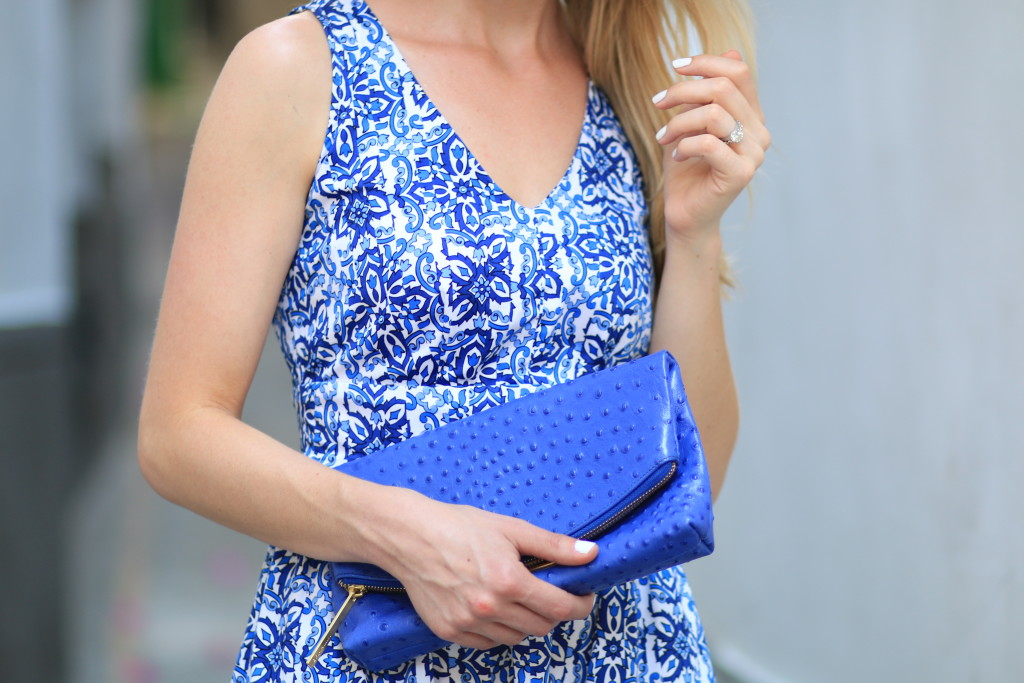 Brahmin cobalt blue duxbury clutch, how to wear a colorful bag, Milly for Kohls blue floral dress, what to pack for Capri Italy