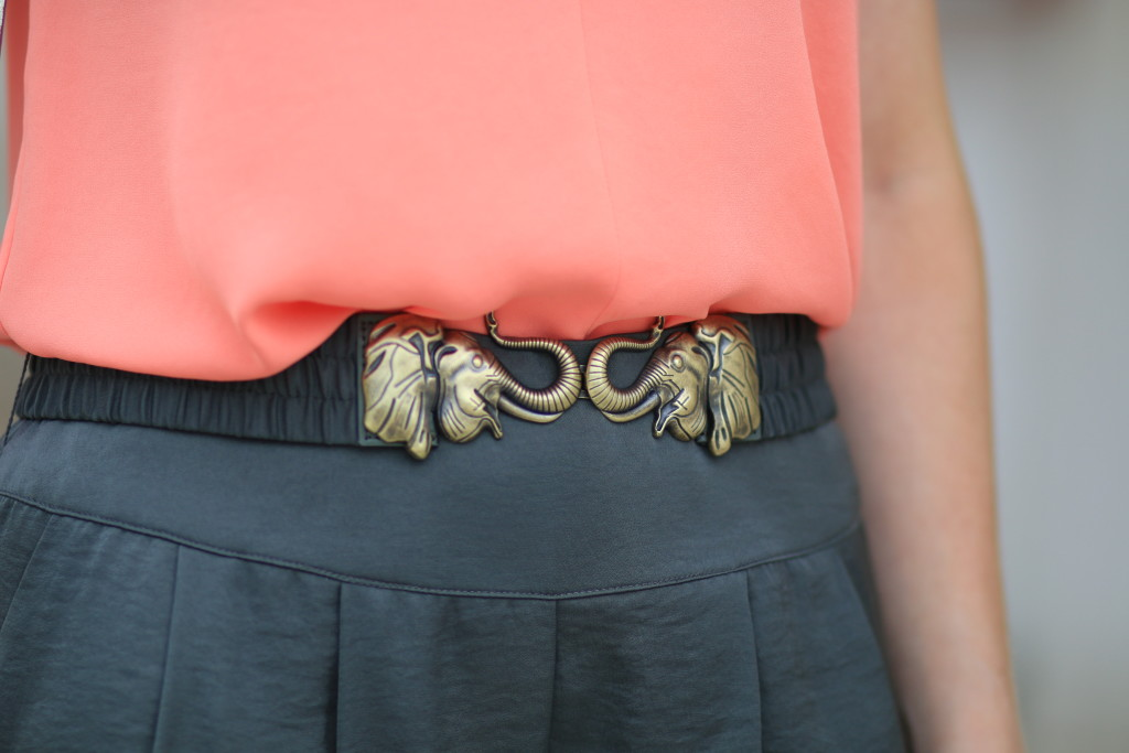 Hoss Intropia olive green chiffon tapered pants with gold elephant belt, safari inspired outfit