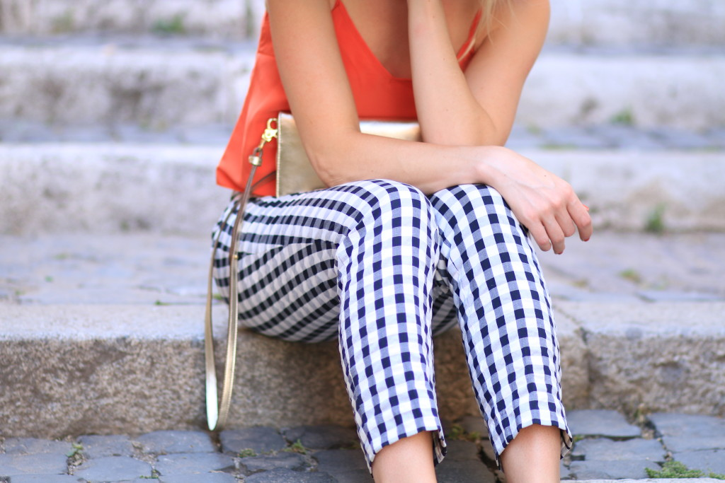 LOFT gingham ankle pants, Brahmin gold Amelia crossbody, gingham with gold accessories, gingham pants outfit