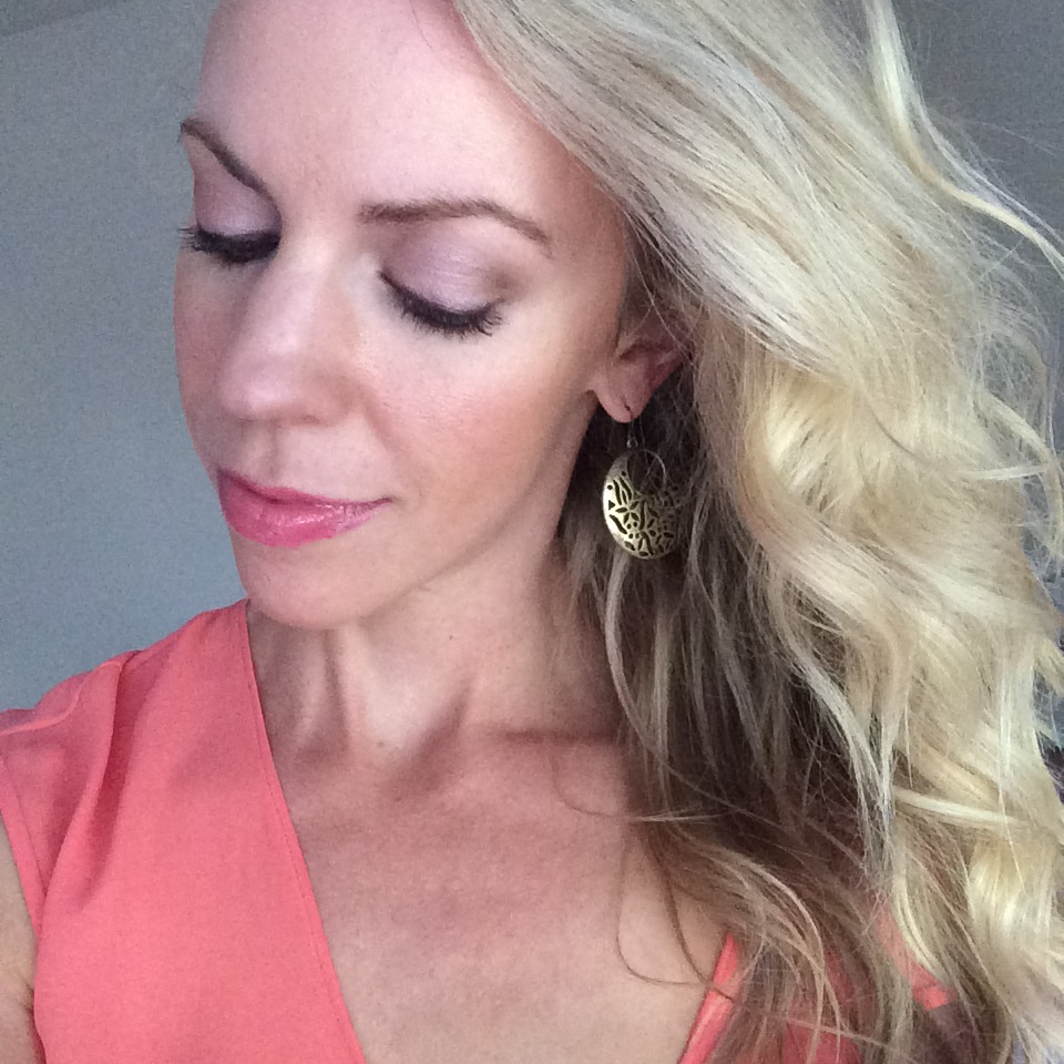 Laura Geller Summer Breeze collection makeup tutorial, how to apply Laura Geller baked bronzer, balance n brighten foundation