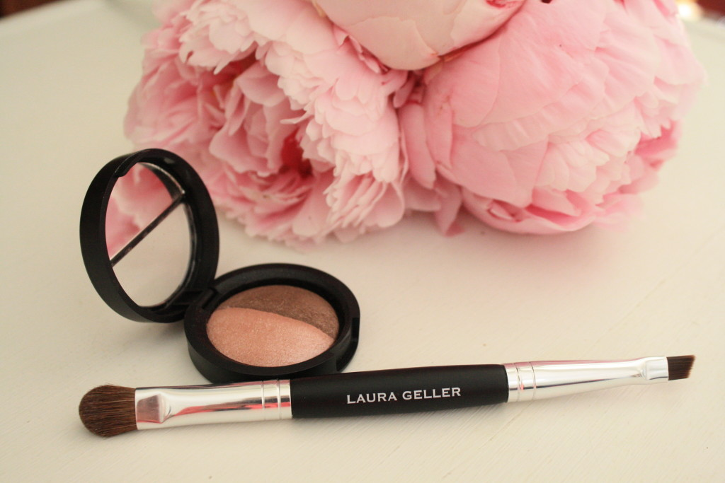 Laura Geller baked eyeshadow duo fresco sable , Summer Breeze beauty collection, how to apply Laura Geller eyeshadow makeup