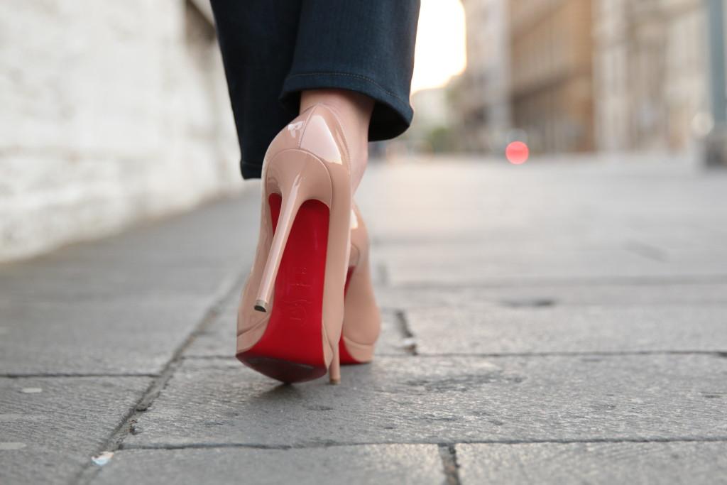 Christian Louboutin Platforms Moda