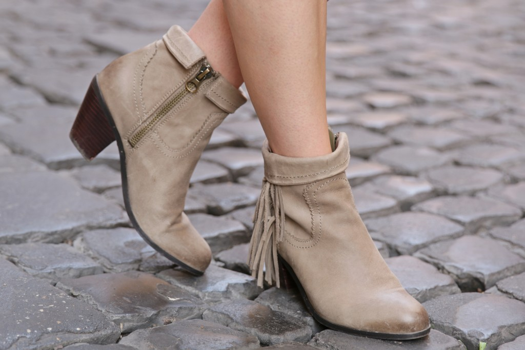9f6d1fc1530703 Sam Edelman  Louie  fringe ankle boots
