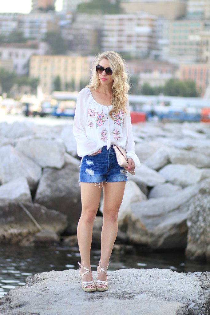 Single Dress embroidered peasant blouse, how to wear bohemian blouse with denim cutoffs, gold wedge sandals, peasant blouse with high waist denim shorts