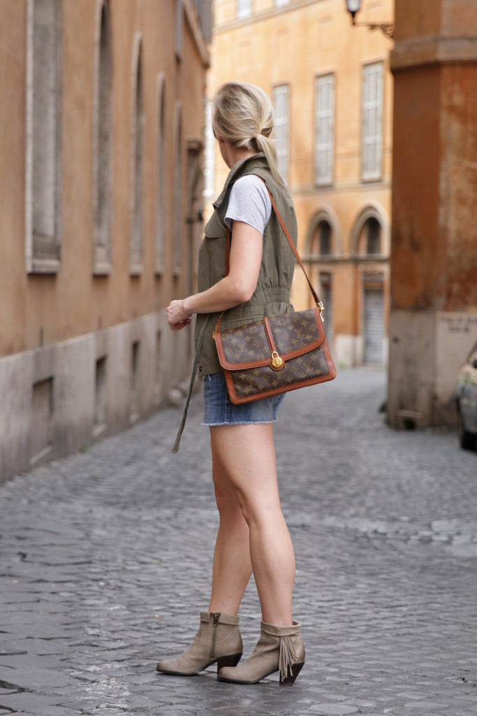 4fb5c658117d86 olive vest with gray tee and denim shorts