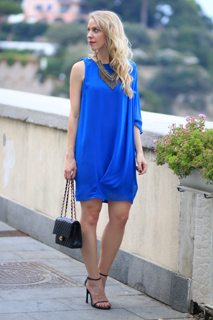 one shoulder Grecian style dress, cobalt blue dress, Chanel classic flap bag black with gold, fashion blogger, Italy