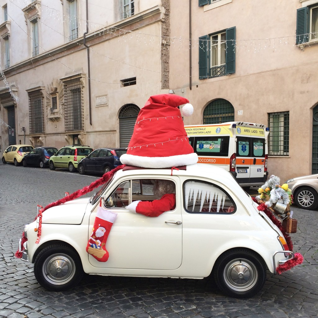 Babbo Natale, Santa Claus in Rome Italy, Christmas in Rome, Italian Christmas traditions, travel blogger