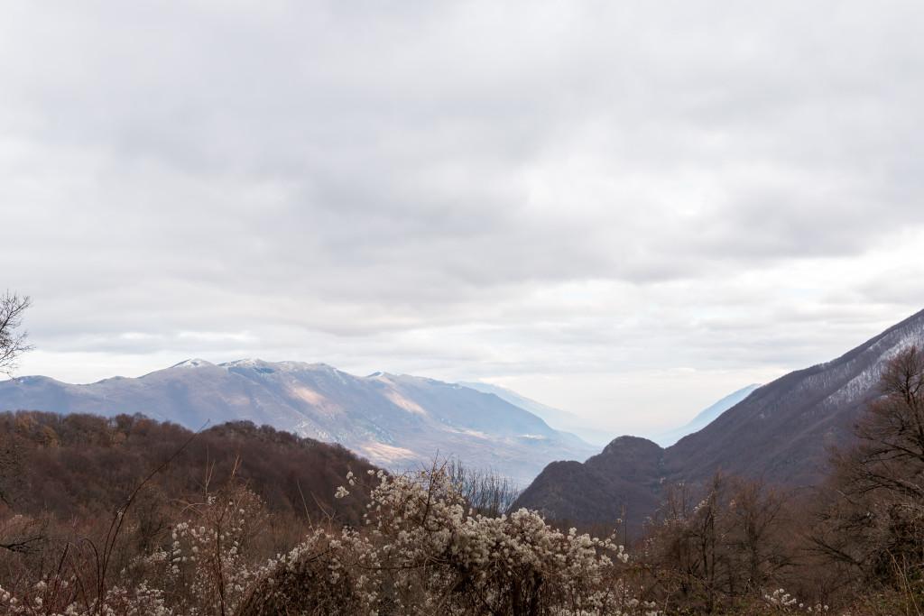 Abruzzo Italy, mountains, travel blogger