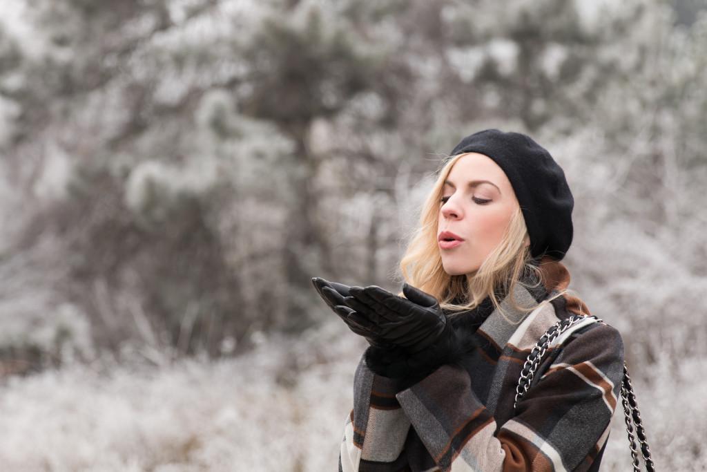 cashmere beret, UGG fur lined leather gloves, fur gloves outfit