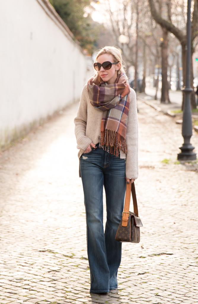 oversized sweater with flare jeans outfit, 7 for all mankind high waist vintage bootcut jeans, brown plaid scarf, how to wear oversized sweater with flare denim