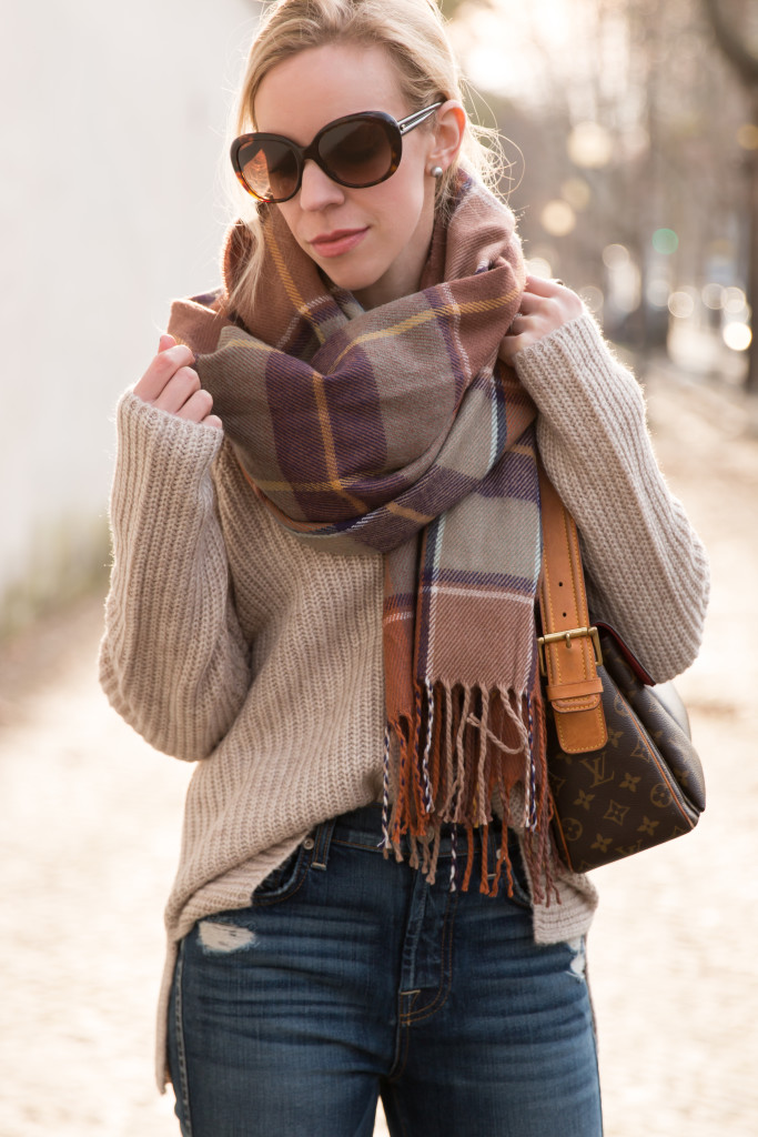 topshop brown plaid neutral scarf with beige sweater, oversized beige sweater with distressed flare jeans, how to wear oversized sweater with flare denim jeans