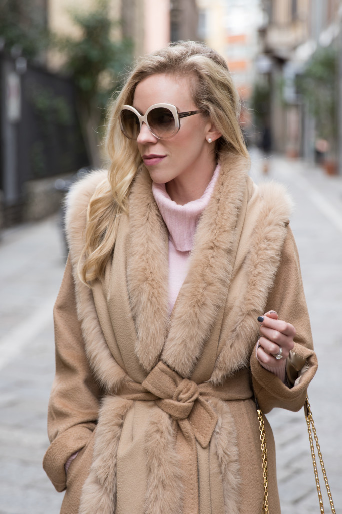 Max Mara Manuela camel coat with fox fur trim camel stole wrap, Dior Extase beige oversized sunglasses, blush pink and camel outfit, Milan Fashion Week AW16