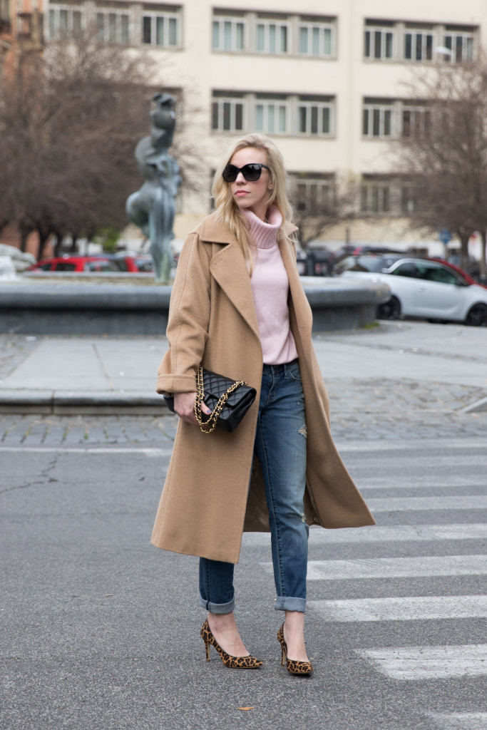 Max Mara camel coat, blush pink turtleneck, boyfriend jeans with camel coat outfit, leopard and blush, Chanel medium classic bag black with gold hardware