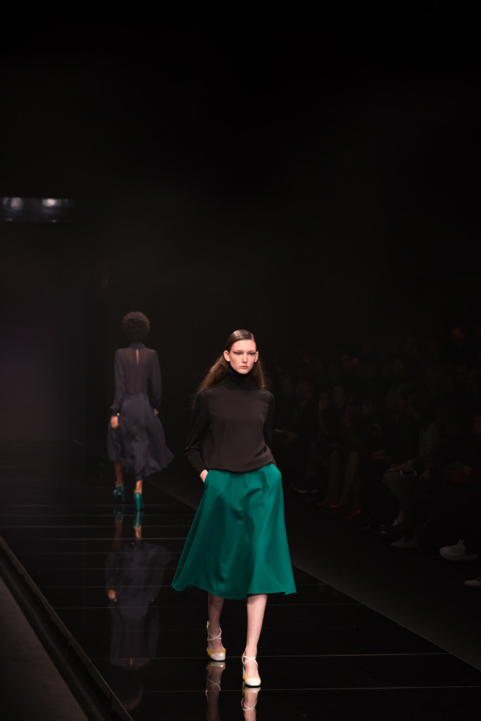 Anteprima AW16 fashion show Milan, green midi skirt