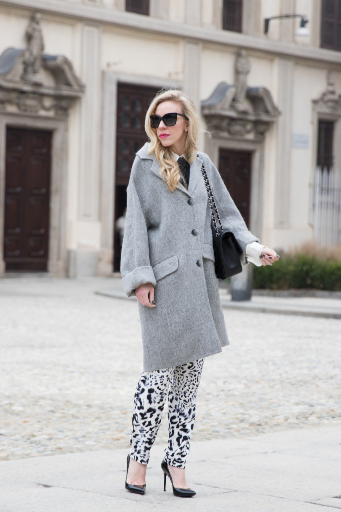 Intropia gray oversized coat, bow neck blouse, leopard print pants, Milan Fashion Week street style AW16 fashion blogger