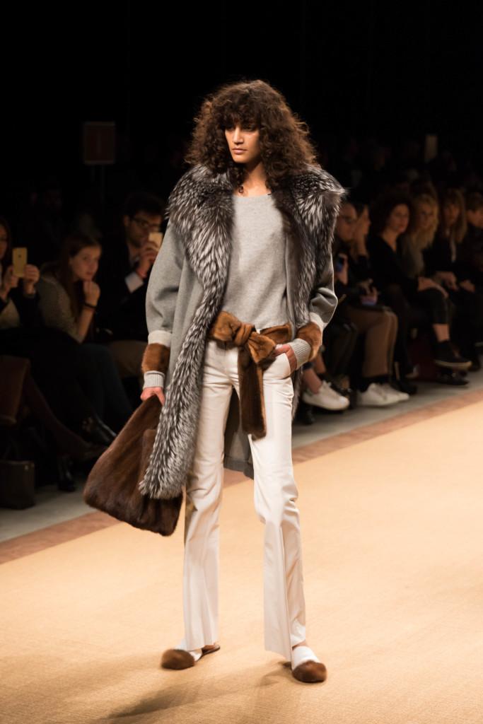 gray long fur coat, fur tie belt, white flare pants, Simonetta Ravizza Milan Fashion Week FW16 fashion show