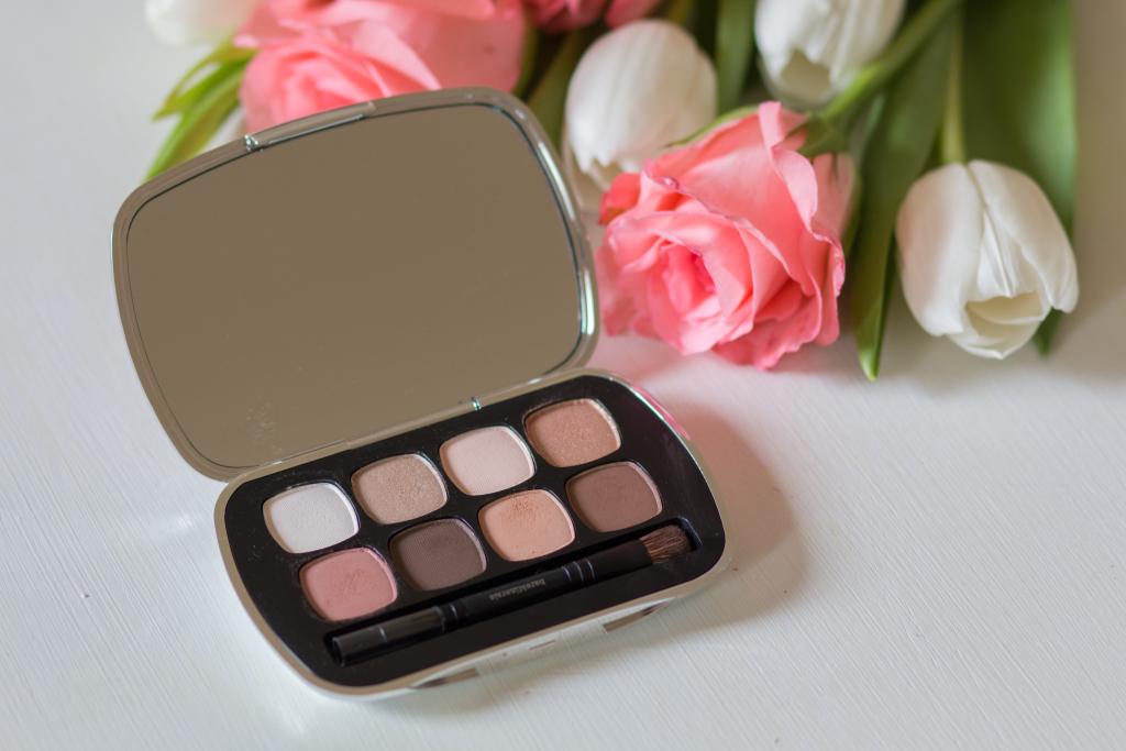 Bare Minerals the suede neutrals 8.0 neutral eyeshadow palette