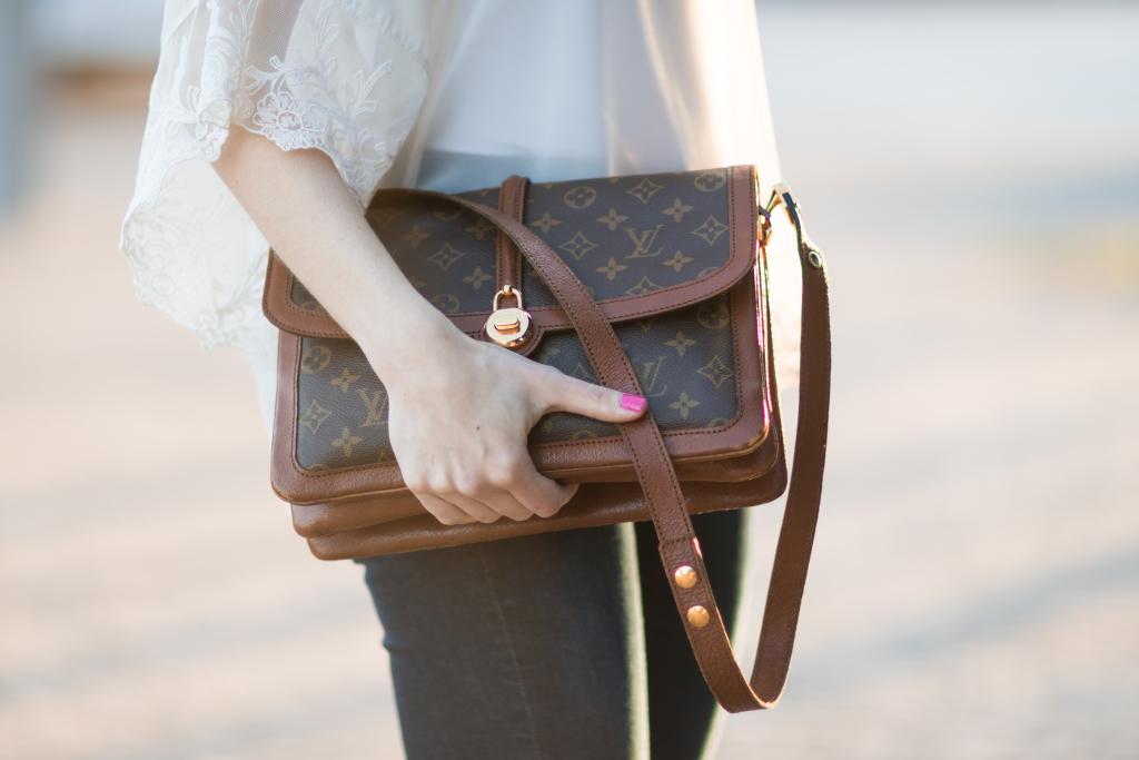 Louis Vuitton vintage Passy monogram bag