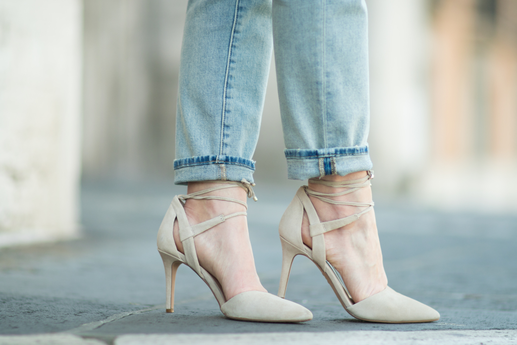 Vince Camuto 'Bellamy' suede lace-up pumps with cuffed jeans, Current Elliott straight leg cropped jeans