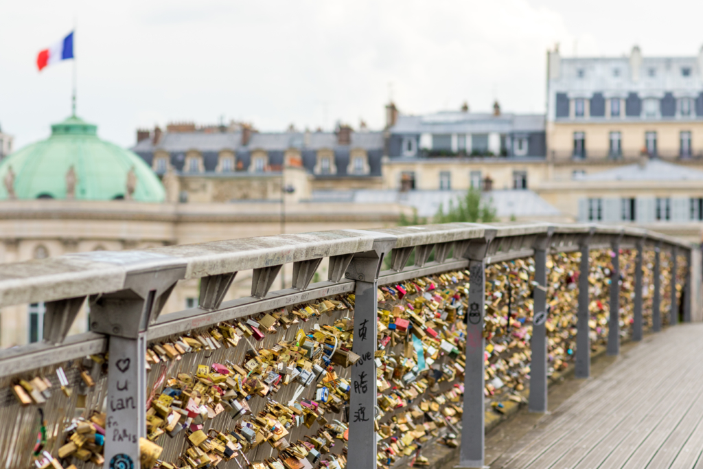 lovers lock bridge Paris France, Passerelle Leopold Sedar-Senghor bridge
