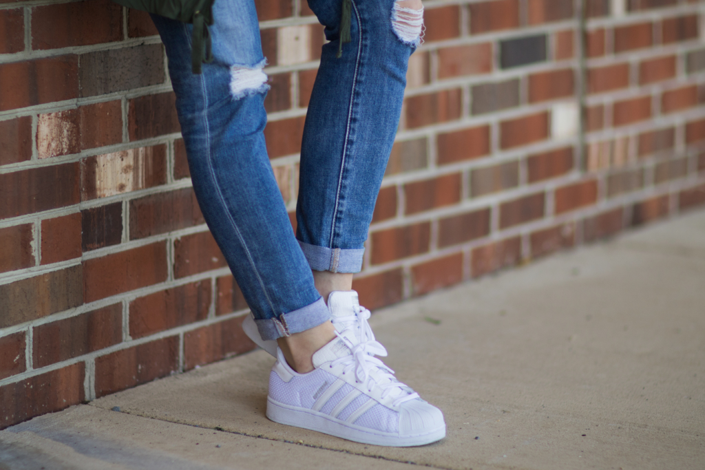 Adidas Superstar all white sneakers, white sneakers with ripped jeans