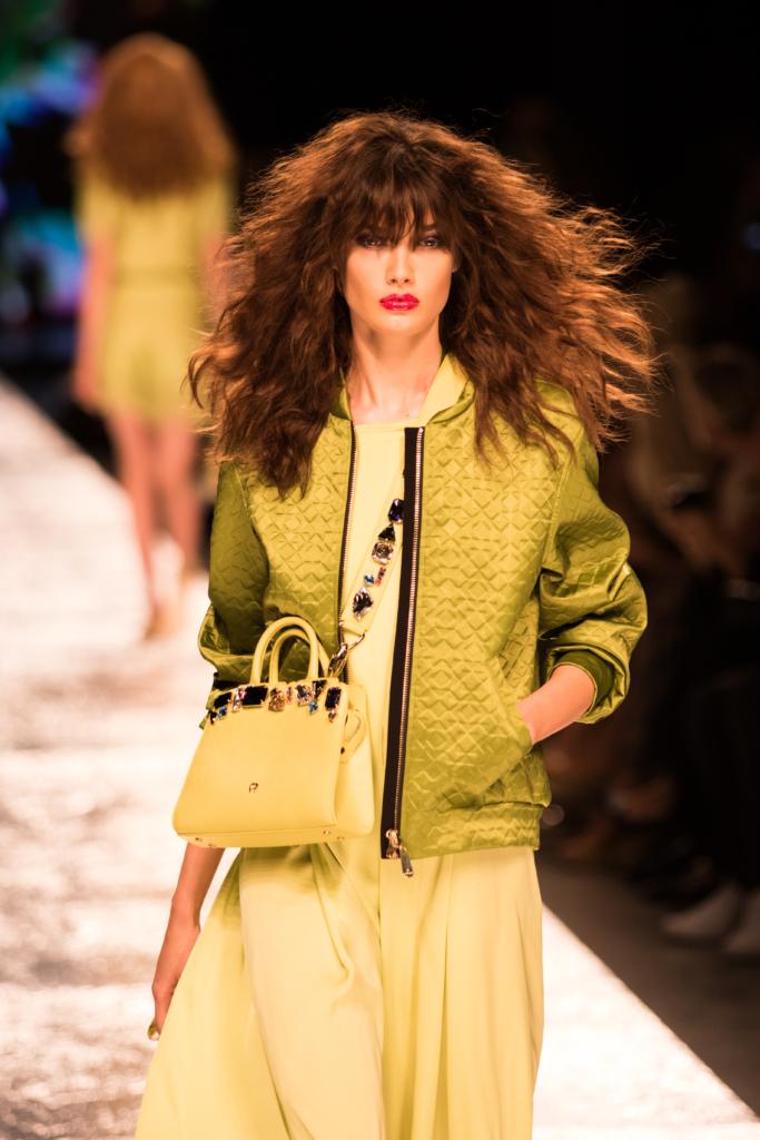 aigner-ss17-collection-milan-fashion-week-citron-bomber-jacket-bejeweled-handbag