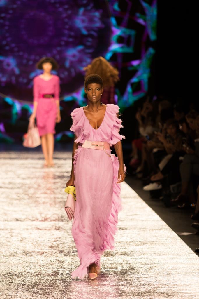 aigner-ss17-runway-show-milan-fashion-week-ruffled-maxi-dress