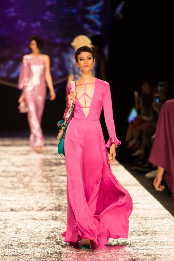 aigner-pink-maxi-dress-spring-summer-17-collection-milan-fashion-week-runway