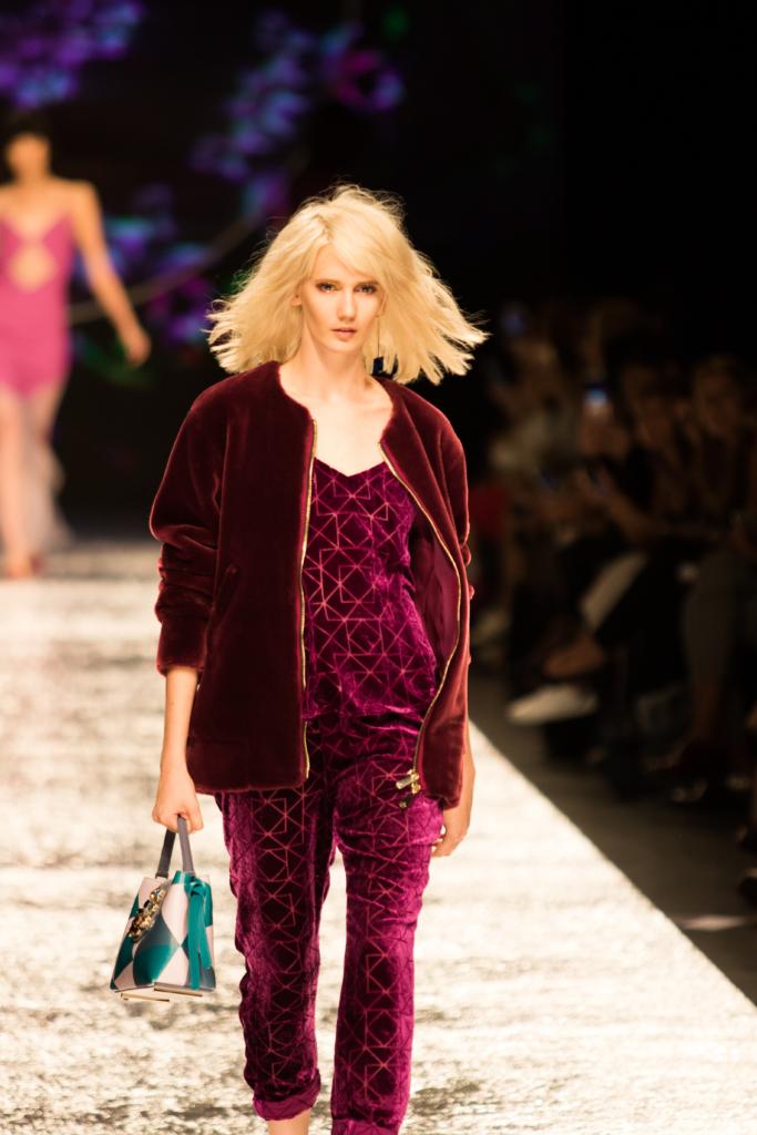 aigner-velour-jumpsuit-velvet-bomber-jacket-ss17-runway-show-milan-fashion-week
