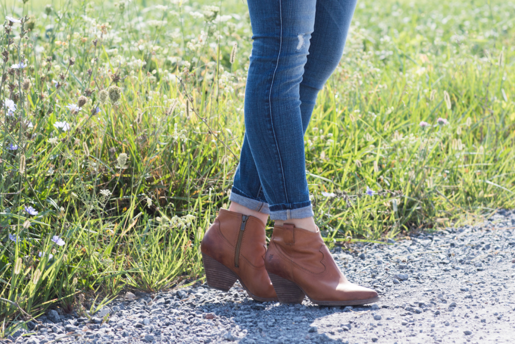Frye Reina camel western ankle booties, western booties fall outfit