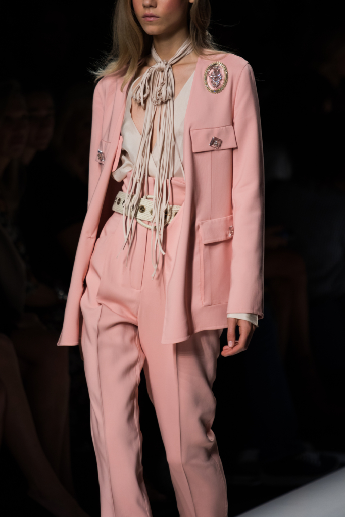 ermanno-scervino-fashion-show-milan-fashion-week-ss17-pink-suit