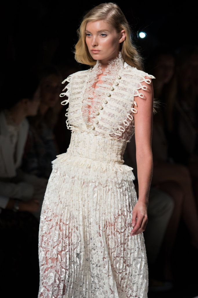 ermanno-scervino-runway-show-milan-fashion-week-ss17-lace-high-neck-dress