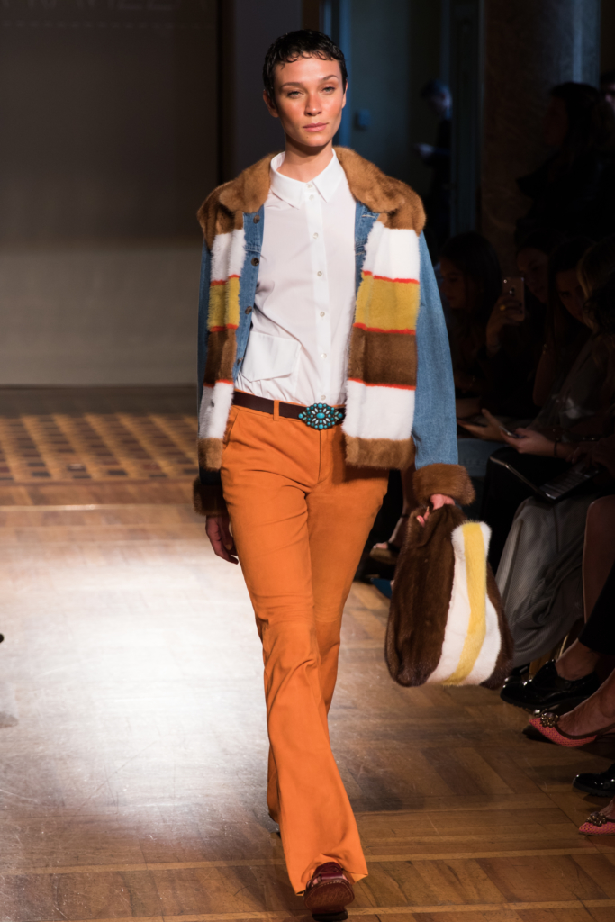 simonetta-ravizza-70s-inspired-runway-show-milan-fashion-week-ss17-striped-fur-jacket-with-orange-pants