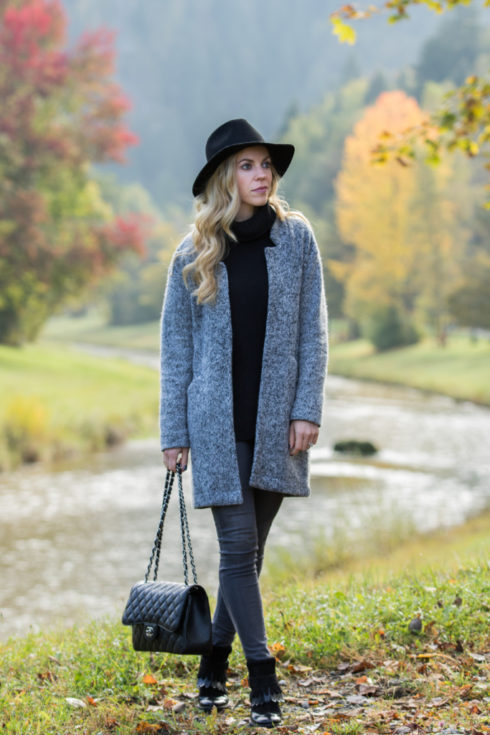 zara-sweater-coat-ag-jeans-legging-ankle-greyhound-sweater-coat-fall-outfit-fashion-blogger-garmisch-germany