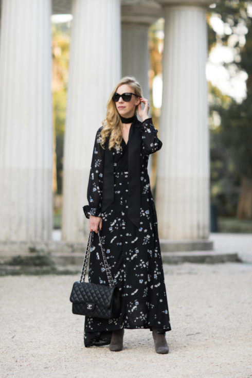 black-floral-maxi-dress-with-over-the-knee-boots-dress-with-silk-skinny-scarf-outfit-how-to-tie-a-skinny-scarf
