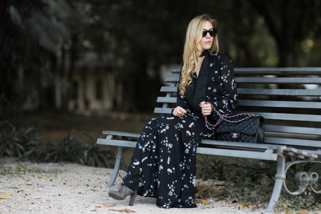black-floral-maxi-dress-with-over-the-knee-boots-how-to-wear-a-maxi-dress-with-over-the-knee-boots