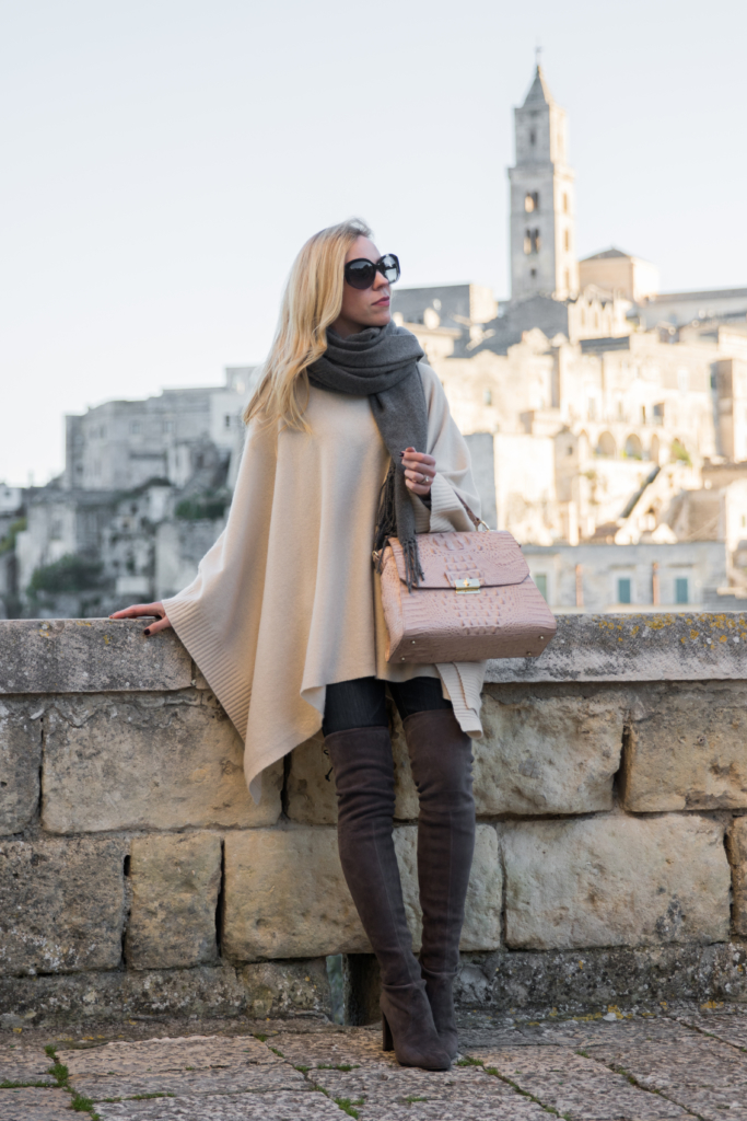 beige-poncho-with-over-the-knee-boots-brahmin-brinley-satchel-matera-italy-fashion-blogger