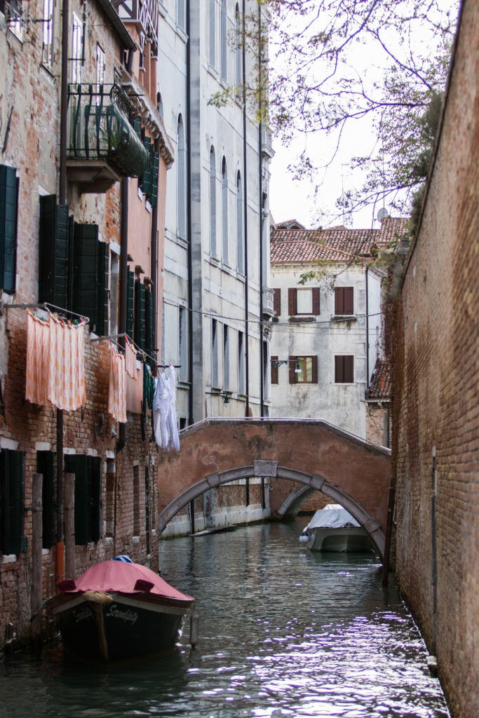 canal-in-venice-italy-american-travel-blogger-in-venice-venice-photography