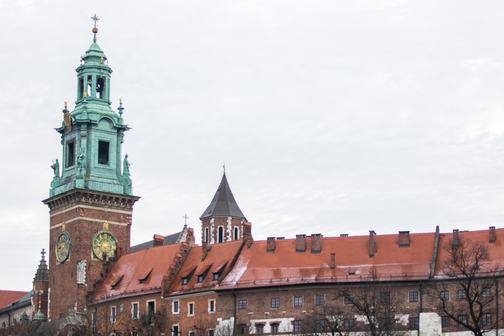krakow-poland-main-square-in-krakow-what-to-see-in-poland-travel-blogger