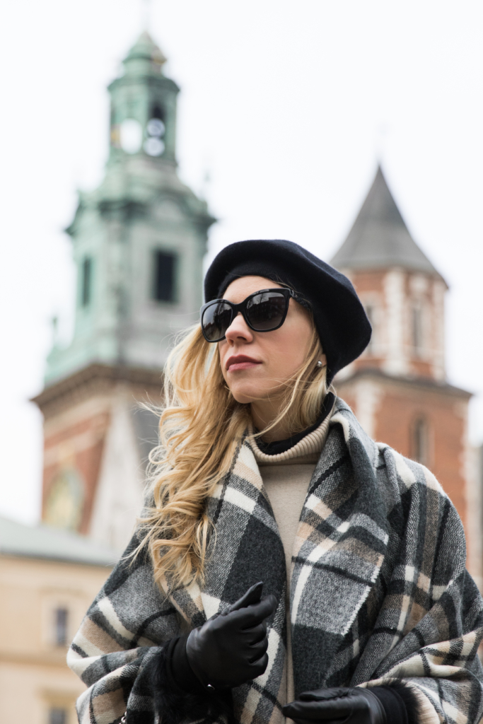 black-plaid-cape-black-beret-how-to-wear-a-beret-blanket-scarf-worn-as-a-wrap
