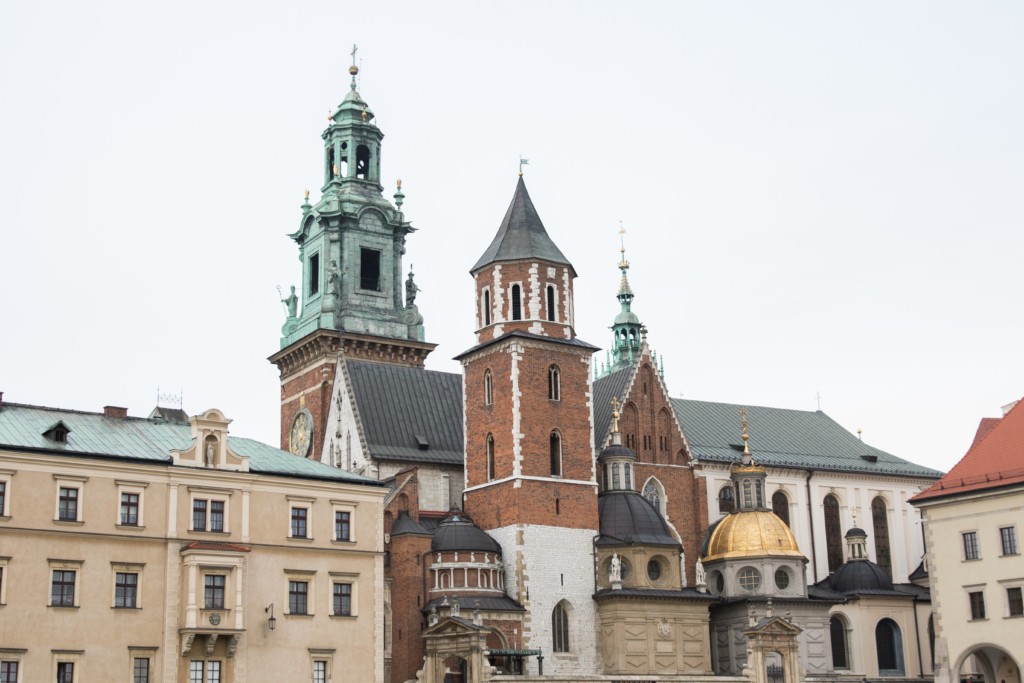 castle-in-krakow-poland-what-to-see-in-krakow-poland-castle-tours-poland
