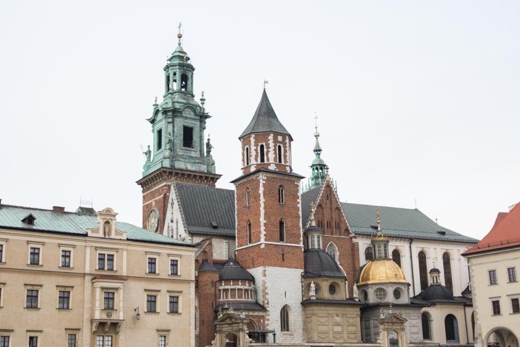 castle-in-krakow-poland-what-to-see-in-krakow-poland-castle-tours-poland