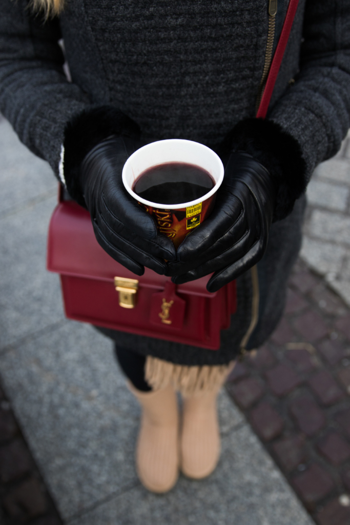 mulled-wine-polish-christmas-market-what-to-do-eat-and-drink-at-european-christmas-markets